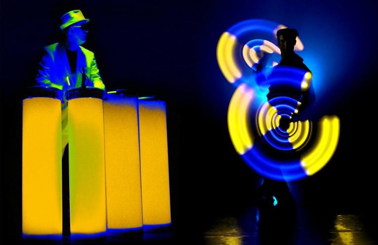 Trommelbeats und HighTech-Licht-Jonglage © Duo TnT